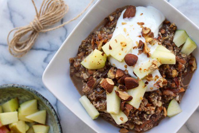 Billede af Overnight oat med æble og gulerod