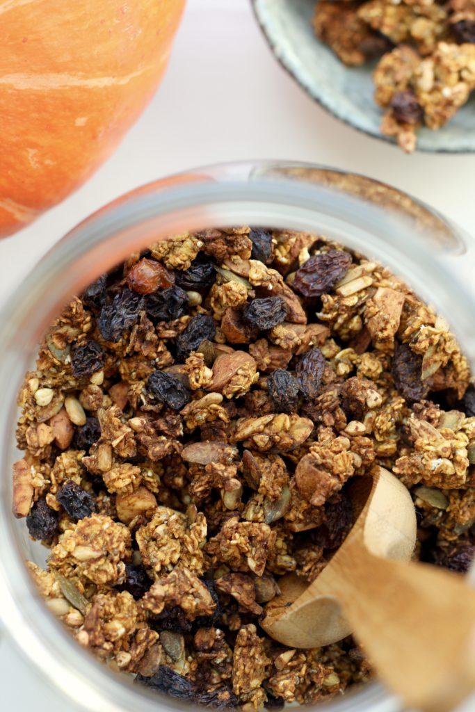 Billede af Efterårsgranola med græskar og æblemos