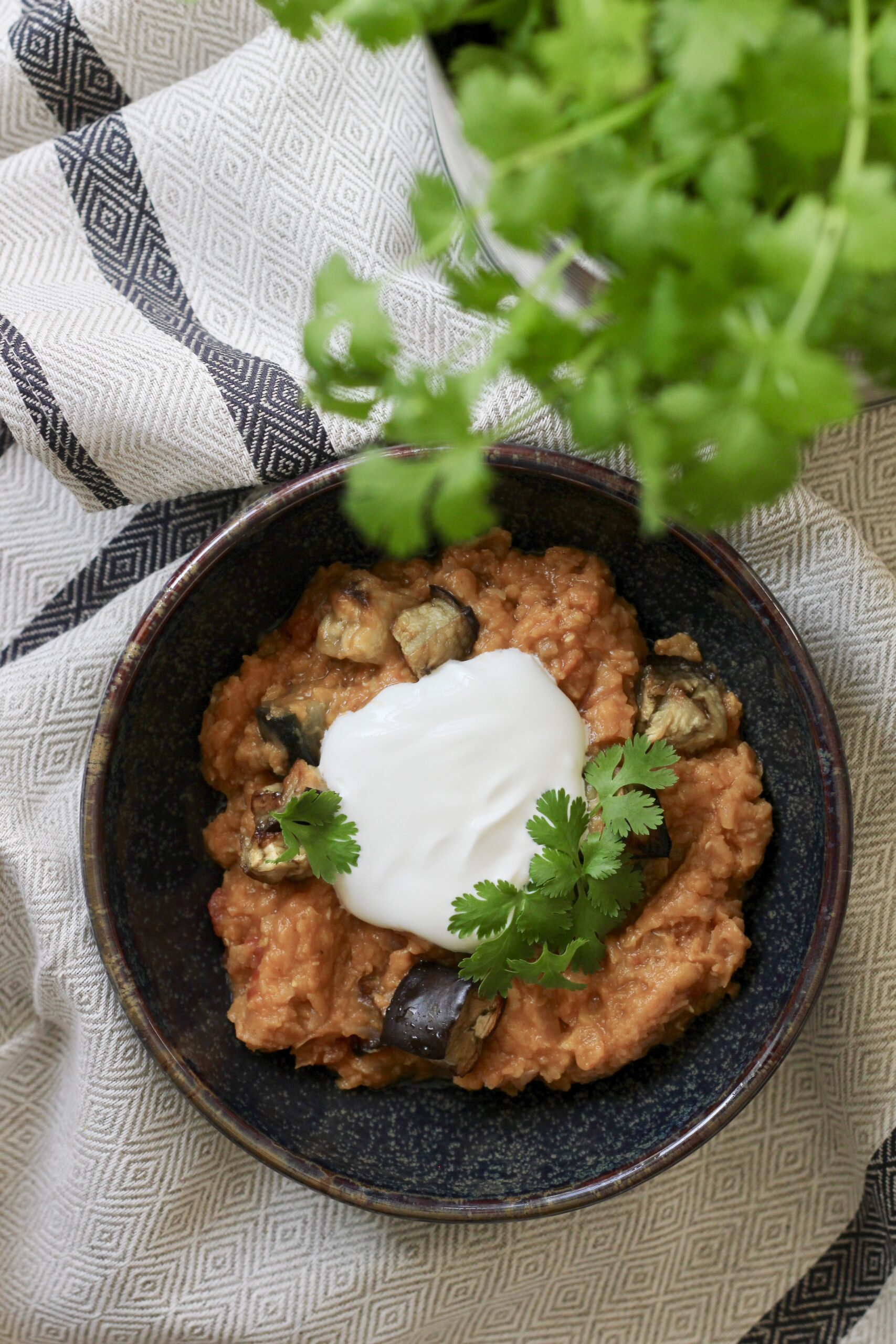 Billede af Daal med aubergine