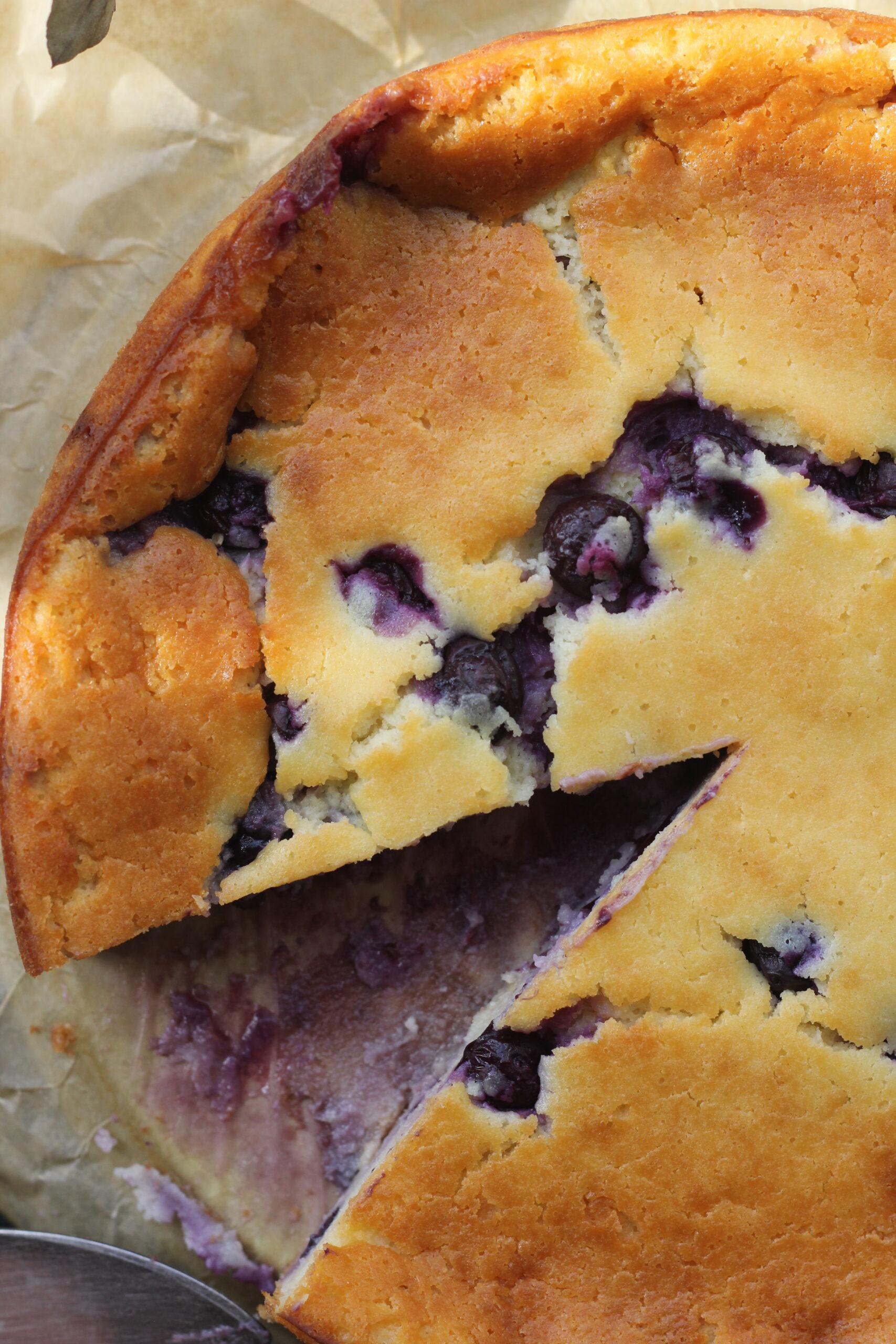Billede af Yoghurtkage med blåbær og hvid chokolade